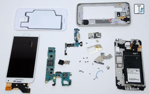 Teardown.com disassembled the Samsung Galaxy S5.(Source: Teardown.com, via EE Times)
