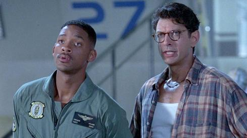 Jeff Goldblum helplessly tries to explain to Will Smith how he learned an alien programming language in only a few hours. (Source: Clevver Movies, YouTube)