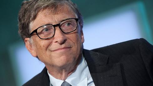 Bill Gates: Fears AI, Likes Bitcoin, Loves Dogs