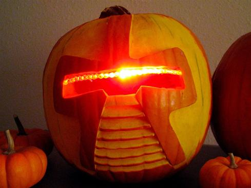 13 Geekiest Halloween Costumes For 2015