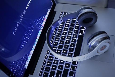 Developer's keyboard. Source: Pixabay