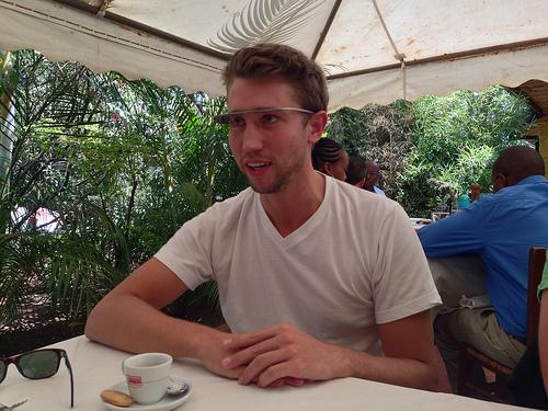 Google Glass Explorer Joel Jackson was obviously not at the Lost Lake Cafe in this photo.(Source: afromusing/Flickr)