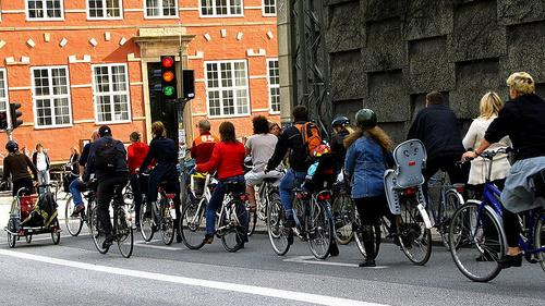 Cyclists in Copenhagen. (Source: Mikael Colville-Andersen via Wikimedia Commons.)