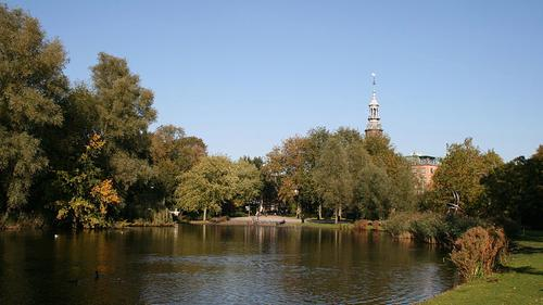 Amsterdam's Oosterpark has experienced problems with antisocial behaviour.  (Source: S Sepp via Wikimedia Commons)
