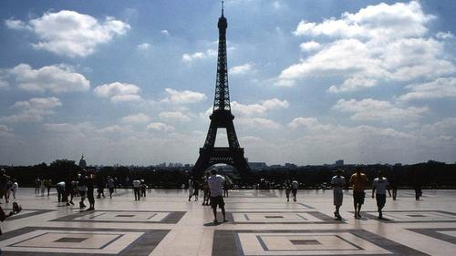 Paris has been ranked the world's best city for students, ahead of London and Singapore.