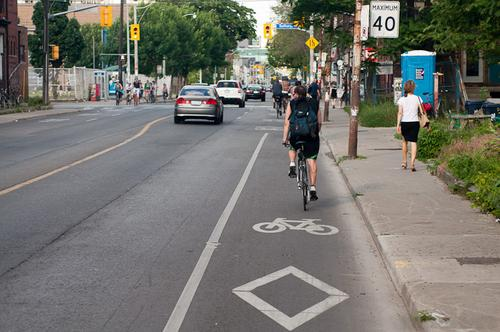 A bike lane in Toronto.(Source: Dylan Passmore via Wikimedia)