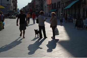 Women chat in Via Garibaldi, Venice.(Source: Pat Brown)
