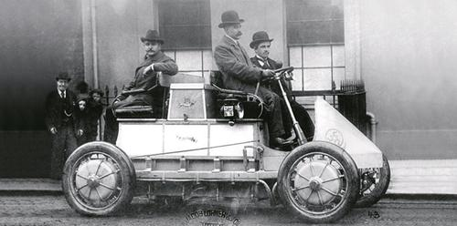 Lohner-Porche electric car, 1900.(Source: Porsche Museum)