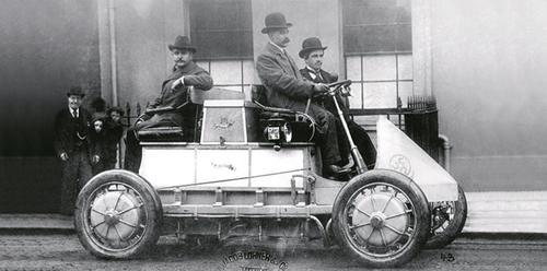 Lohner-Porche electric car, 1900.(Source: Porsche Museum)