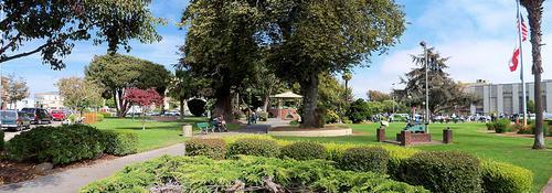 City plaza in Watsonville, Calif.(Source: Mrwrite, public domain via Wikimedia)