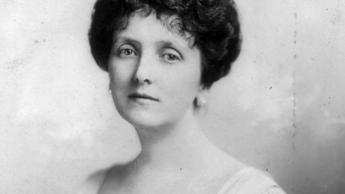 (photo of Emily Post, June 1912. Library of Congress Prints and Photographs division)