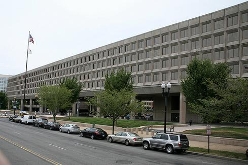 Department of Energy headquarters in Washington, DC. (Image by cliff1066.)