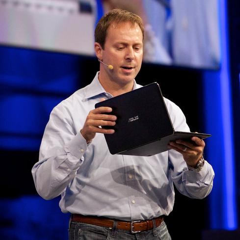 Intel PC Client Group GM Kirk Skaugen handles an Asus tabletthat will use Core M.