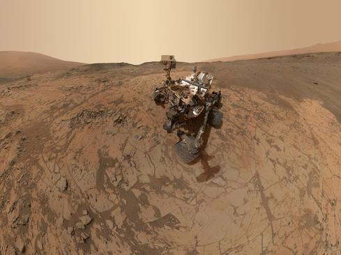 Curiosity takes a selfie on Mars