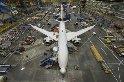 787s being assembled in Everett, Wash.