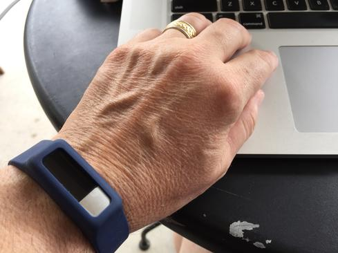 Oregon Scientific's Ssmart Dynamo+ is a step toward the smart watch.