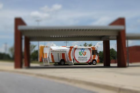 The DLRTour Bus  (Image: iSchool Initiative)