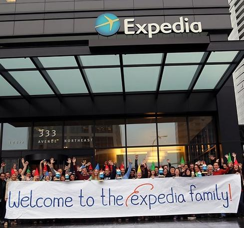 Expedia, No. 16 Overall Expedia generated a 4.1 ranking. The online travel site made its debut on the Best Places to Work list this year. Expedia boasts more than 14,000 employees worldwide and has a range of tech jobs it is looking to fill, such as data developers. The atmosphere is positive, energetic, and entrepreneurial. The combination of travel and technology creates a fast-paced and exciting place to be. Join us! -- Expedia Director (Bellevue, Wash.) (Image: Expedia via Glassdoor)