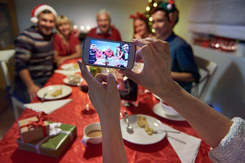 8 iPhone Apps To Make Your Holiday Memories Shine