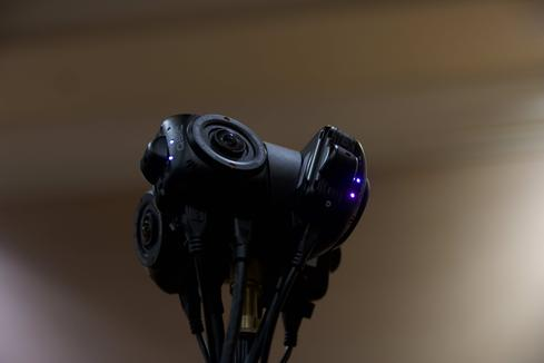3D video cameras like this one could change the way we see reality.