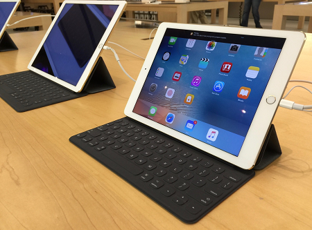iPad Pro 12.9 vs. iPad Pro 9.7