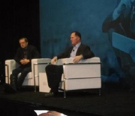 VMware CEO Pat Gelsinger (left) appears at a VMworld press conference with Michael Dell.
